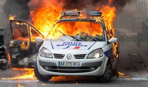 m-f-montreuil-francia-in-custodia-cautelare-l-anar-1.jpg