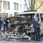 a-g-amburgo-germania-fuoco-e-fiamme-per-la-polizia-1.jpg