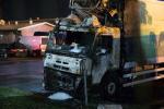 t-f-tampere-finlandia-incendiati-camion-del-lattif-1.jpg
